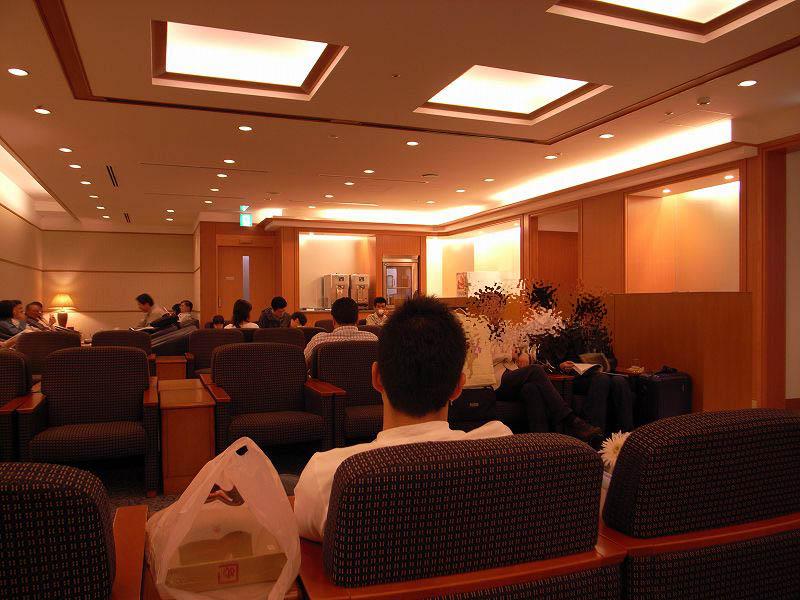 福岡空港サクララウンジ