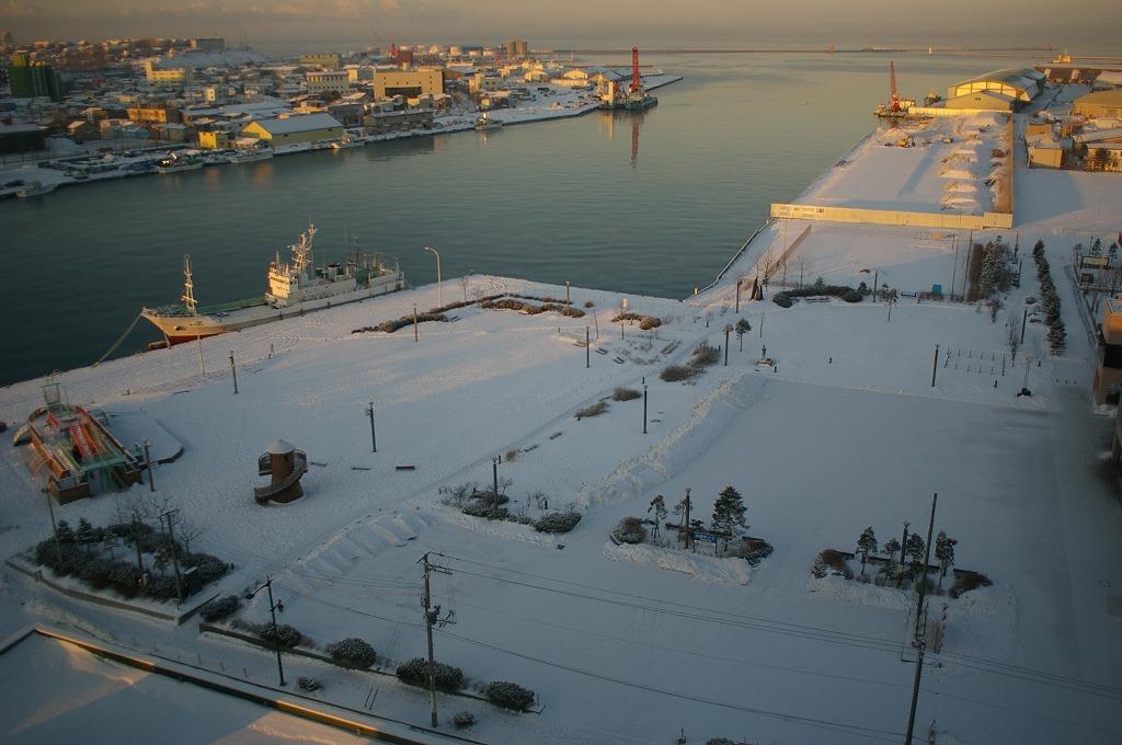 夜明の釧路港